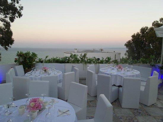 Terrasse piscine picture of la villa bleue sidi bou for Sidi bou said restaurant
