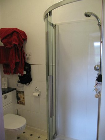 Bryn Bella Guest House: Room 3 Bathroom