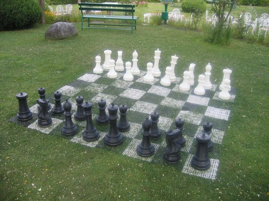 Span Resort & Spa: The Chess Board in the outdoor area of Span Resorts