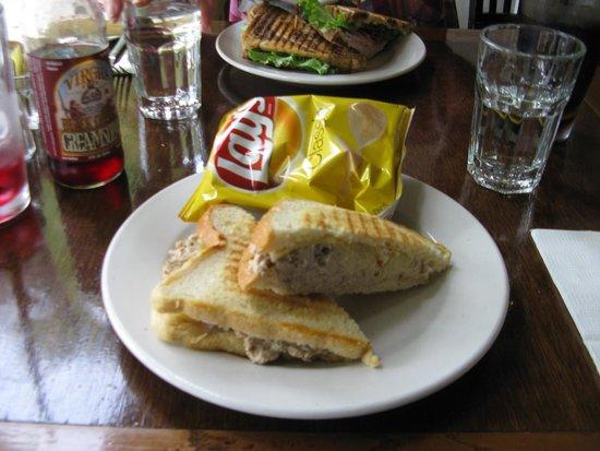 Rosewood Cafe: Tuna Melt