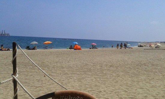 Comiendo en la misma playa