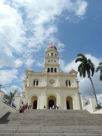 El Cobre Basilica: Fachada da Basilica