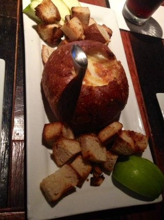 The Twisted Vine: Toasted baked brie