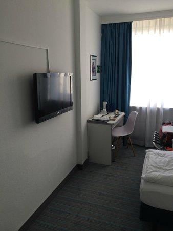 Hotel Neue Kräme: View from doorway