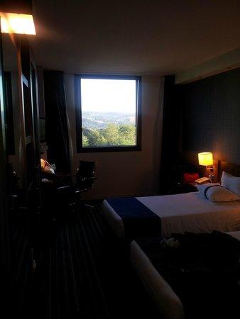 Hotel Holiday Inn Express Bilbao: vista de la habitacion