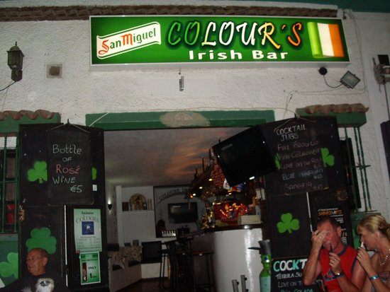 ‪Colours Irish Bar‬