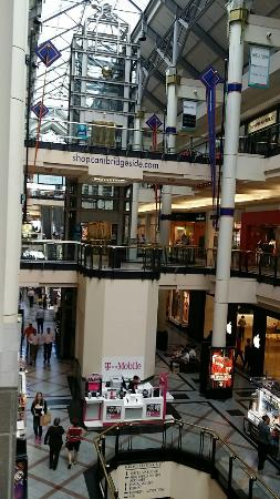 CambridgeSide Galleria Mall