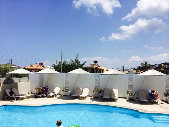 Elounda Garden Suites : The swimming pool