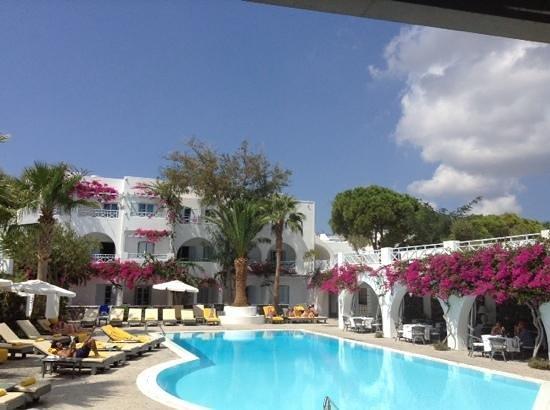 Santorini Kastelli Resort: kastelli pool