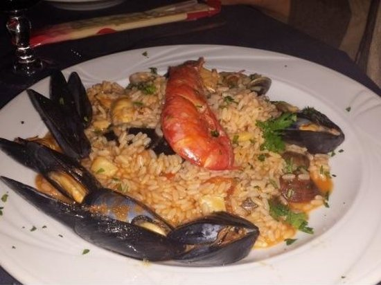 Hotel Le Dune: seafood risotto - order must be for 2 persons but this pic was one serve so very substantial mea