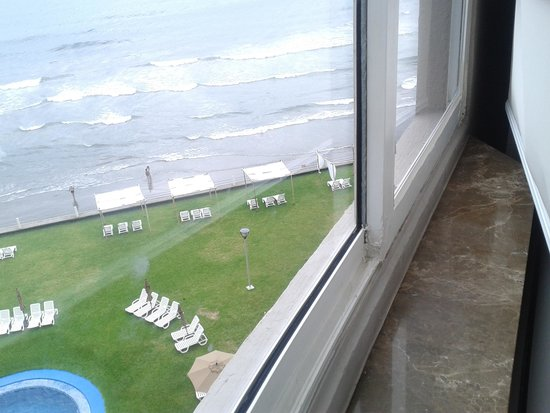 Hilton Garden Inn Boca del Rio Veracruz : VENTANAS SELLADAS