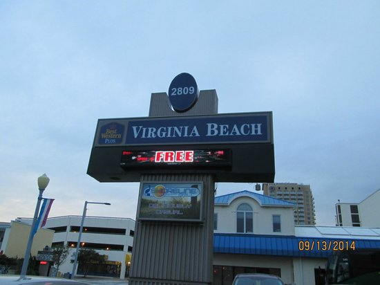 Best Western Plus Virginia Beach: Hotel Pylon Sign