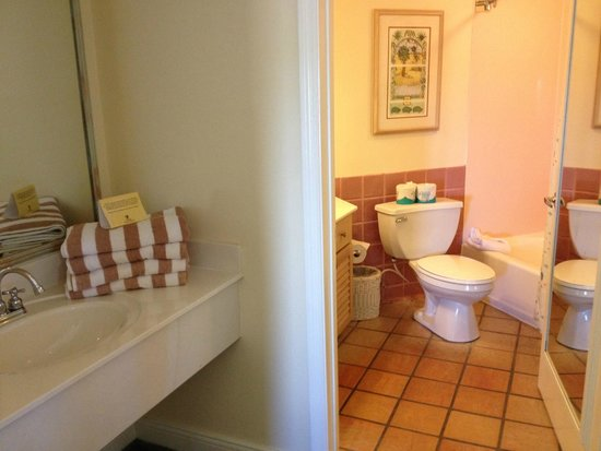 vero beach chat sites Breathetaking views of beachfront gardens and relaxing chaise lounges make these private cabana guest rooms the ultimate luxury in vero beach resorts.