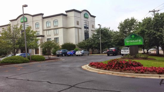 Wingate by Wyndham Fayetteville/Fort Bragg: Wingate Exterior View