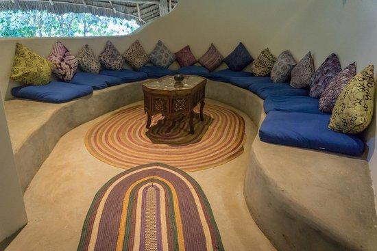 Unguja Lodge: Lodge Seating Area