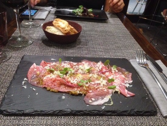 Mood Food Restaurant: Carpaccio of Iberia ham