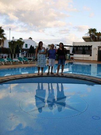 Club Oceano: Pool area