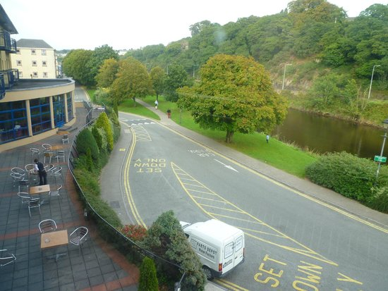 The Riverside Park Hotel & Leisure Club: View from Entrance