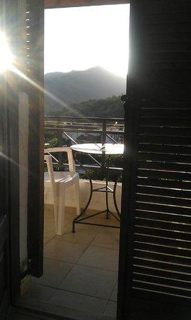 Hotel Keramos: Балкон и вид из номера
