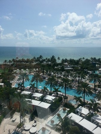 Fontainebleau Miami Beach Stunning Views And People Watching