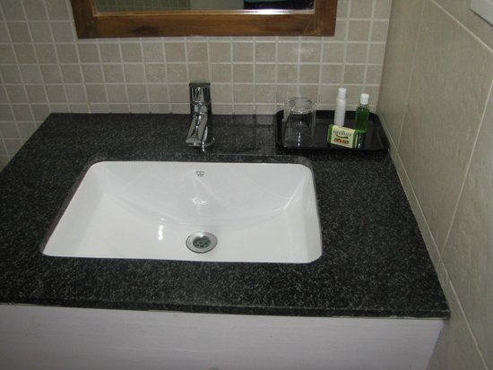 Eagle Mountain: Bathroom