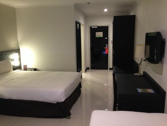 Tanoa Waterfront Hotel: Superior Room