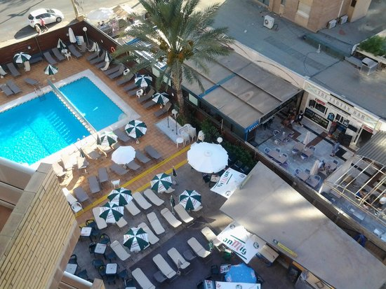 Riudor Hotel Benidorm: pool lovely,great sun trap
