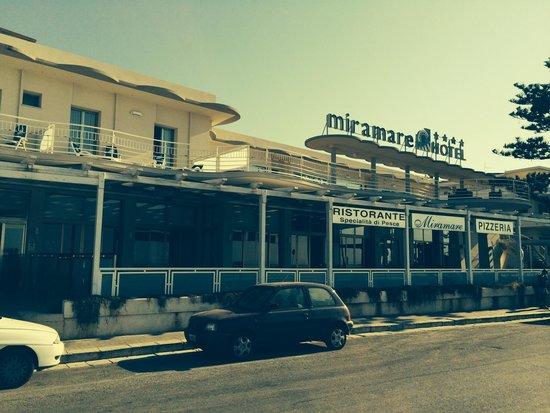 Hotel Miramare: Sea front location