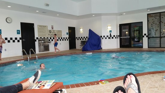 Doubletree Suites Bentonville : Swimming Pool