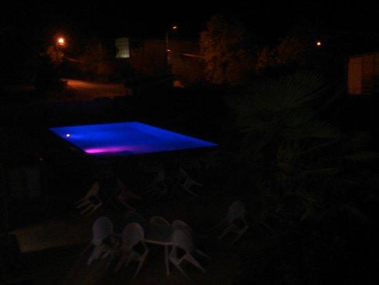 Reix Hotel : Piscine de nuit