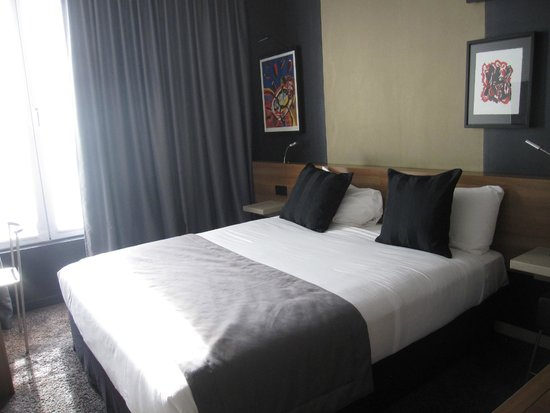 Fred Hotel : hotel bed