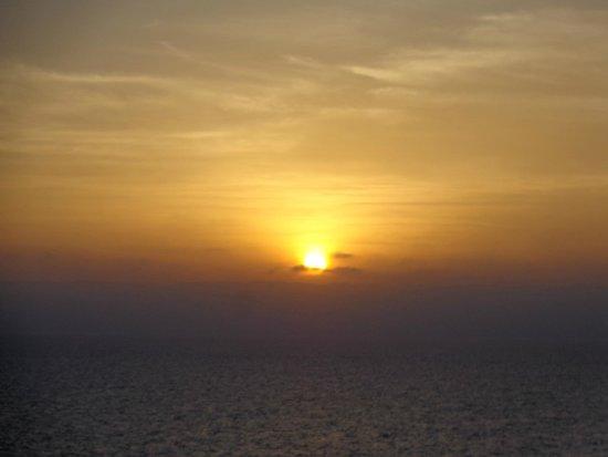 Zuana Beach Resort: La puesta del sol.