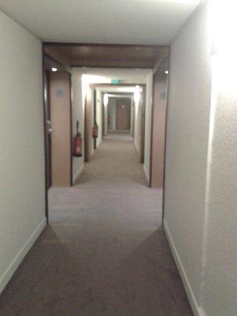 Novotel Suites Lille Europe hotel : Couloir
