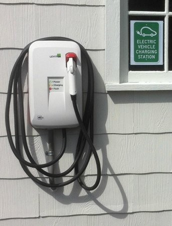 Carlisle House Bed & Breakfast: The NEW Level 2 Electric Vehicle Charger