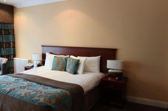 Sherbrooke Castle Hotel: well appointed room 1