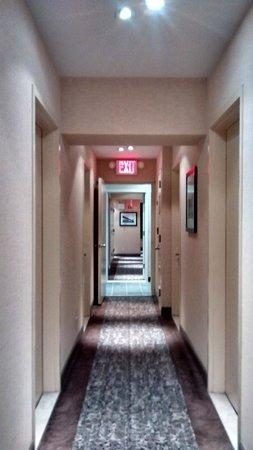 Washington Jefferson Hotel: Pasillo Hotel