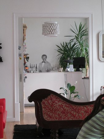 Living Lounge Hostel: Lounge bar