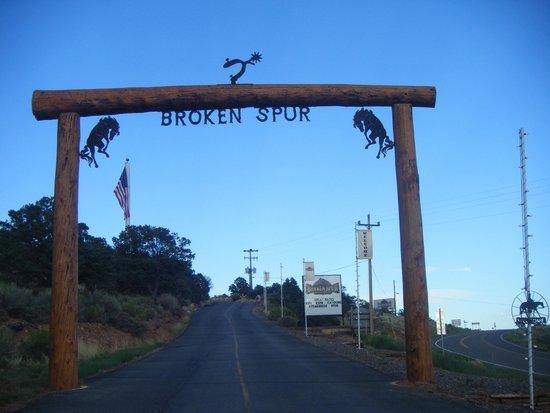 Broken Spur Inn: foto entrada al hotel