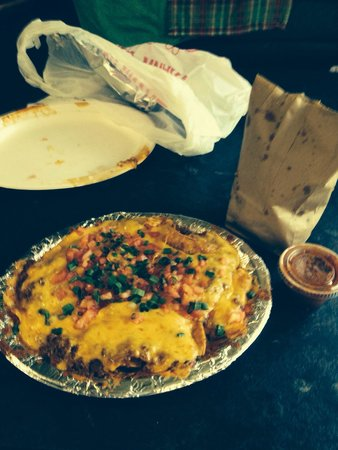 Guadalajara: Nachos special, with ground beef, beans, cheese, lettuce, and tomato. Came with chips and a grea