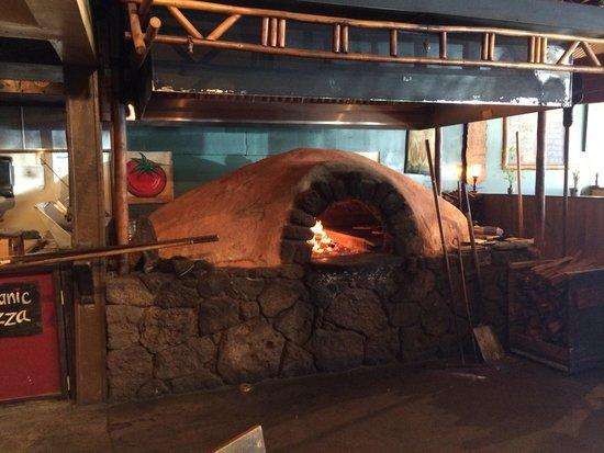 Flatbread Company : Oven fired pizza