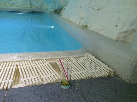AC Hotel by Marriott Ambassadeur Antibes- Juan les Pins: Piscine - Marriott