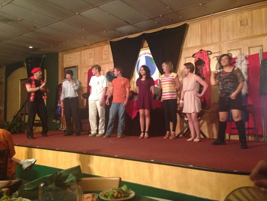 Sleuths Mystery Dinner Shows: Guest interaction