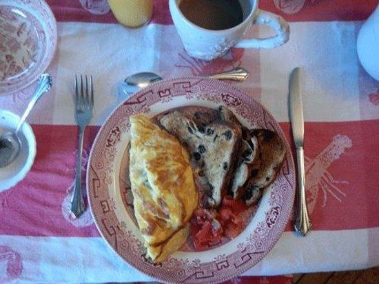 Rothesay House Heritage Inn Bed & Breakfast: Yummy Breakfast!