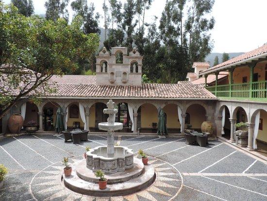 Aranwa Sacred Valley Hotel & Wellness: Courtyard