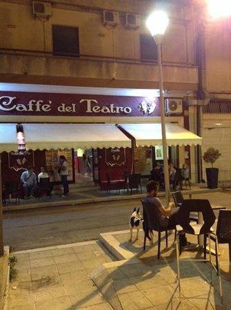 Aradeo, Италия: caffe del teatro