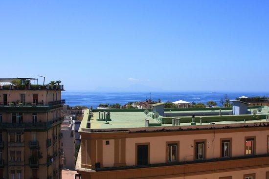 Villa Margherita: Вид из номера на неаполитанский залив и о.Капри