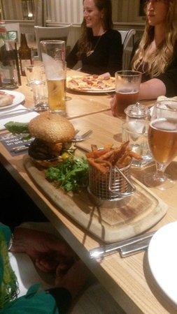 The Akeman Inn: Burger