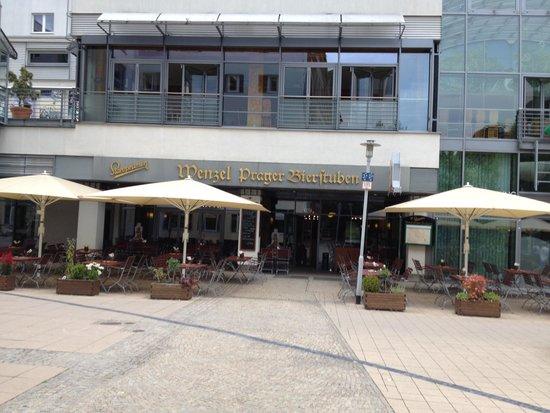Wenzel Prager Bierstuben: Restaurant außen