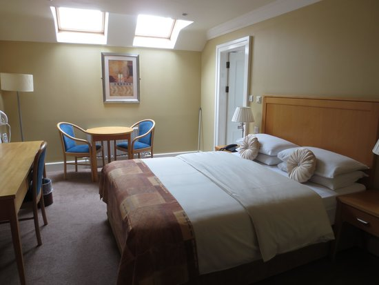 Dingle Bay Hotel: Room 202