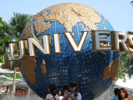 Universal Studio Singapore entrance - Picture of Tune Hotel Danga